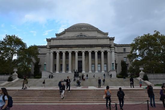 聖約翰大教堂附近的哥倫比亞大學,典型的大學校園