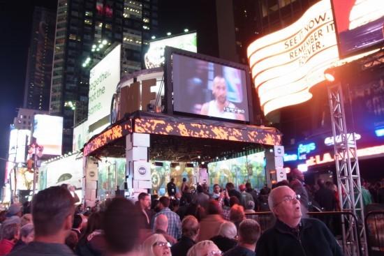 時代廣場直播NBA揭幕戰