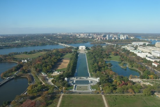 華盛頓紀念碑塔碰遠眺